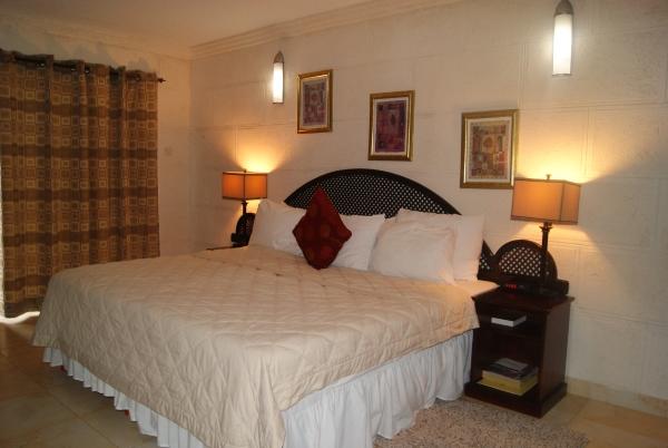 Oceans 15 Hotel, Barbados